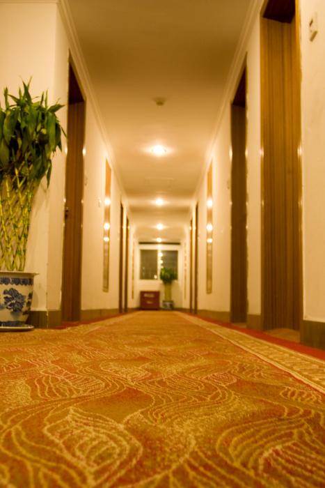宾馆内整洁的走廊