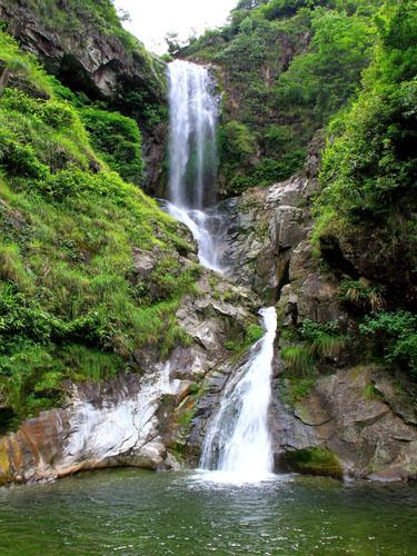 壁纸 风景 旅游 瀑布 山水 桌面 375_500 竖版 竖屏 手机