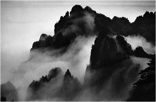 马克·吕布(Marc Riboud)黄山摄影作品3.jpg