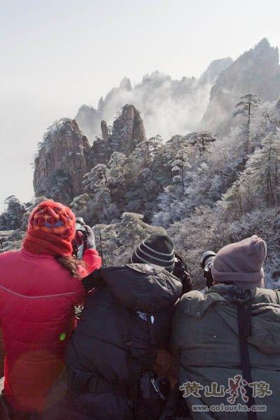 黄山旅游摄影—清凉台上是拍摄黄山风景的极佳位置.jpg