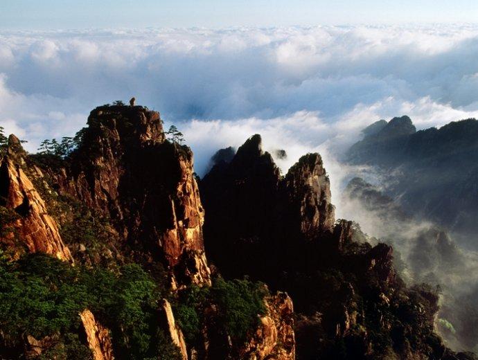 黄山四绝之怪石:猴子观海.jpg