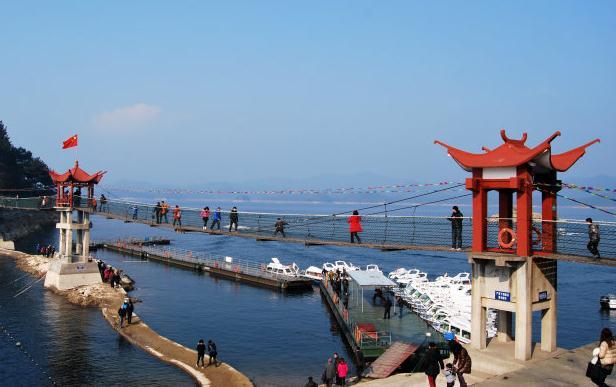 千岛湖旅游 千岛湖奇石岛.jpg