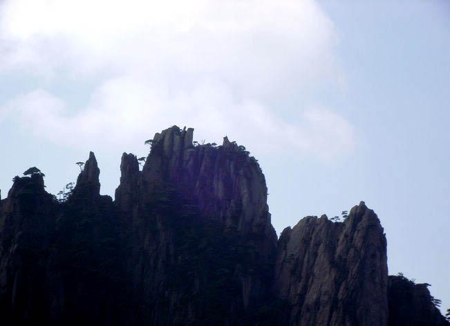 黄山旅游景点 黄山奇石之仙女弹琴 观看地点:黄山西海排云亭处.jpg