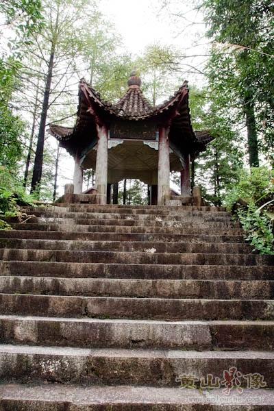 黄山旅游景点 黄山三大瀑布之百丈泉瀑布-.jpg