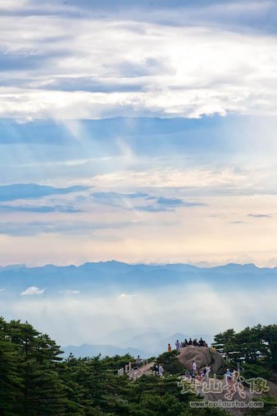 西海群峰远眺.jpg