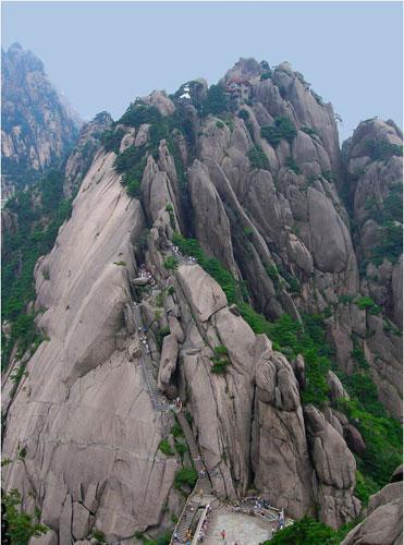 黄山三十六大峰之玉屏峰 海拔1716米.jpg