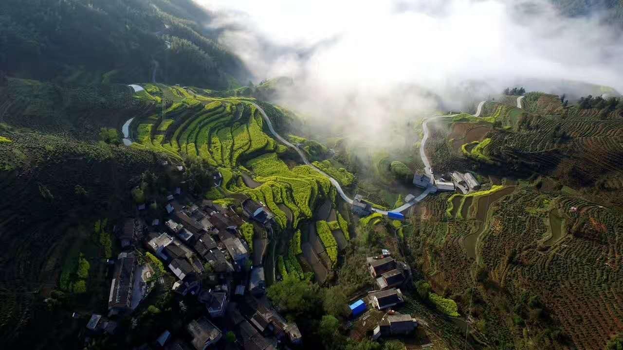 雨后歙县古丰村航拍 摄影::潘成.jpg